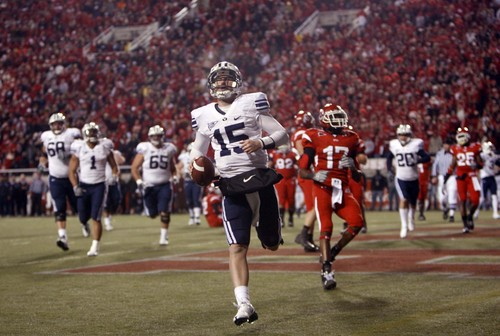 BYU quarterback Max Hall (15) scores a touchdown during the Utah BYU game Saturday November 22, 2008.  Trent Nelson/The Salt Lake Tribune