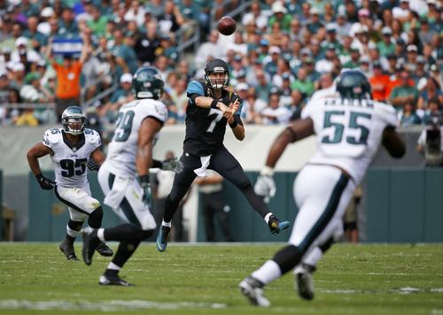 Jacksonville Jaguars' Chad Henne passes during the first half of an NFL football game against the Philadelphia Eagles, Sunday, Sept. 7, 2014, in Philadelphia. (AP Photo/Matt Rourke)