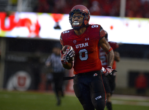 Scott Sommerdorf   |  The Salt Lake Tribune There is no one around him as Utah kick returner Kaelin Clay returns a punt 58 yards for a TD to give Utah a quick 14-0 lead. Utah took a 21-0 lead over Washington State in the first quarter, Saturday, September 27, 2014.