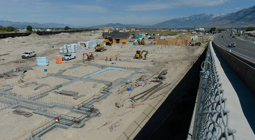Francisco Kjolseth     The Salt Lake Tribune Located in Vineyard, Utah, the @geneva project is a 1,700 acre master-planned redevelopment being built on the site of the old Geneva Steel Mill, at Vineyard in Utah County, under the direction of Anderson Development. When completed, @geneva will have nearly 26,000 residents, an intermodal hub, its own town center, two million square feet of retail space, 3.5 million square feet of office space, lake-front residential properties and 5 million square feet of industrial space.