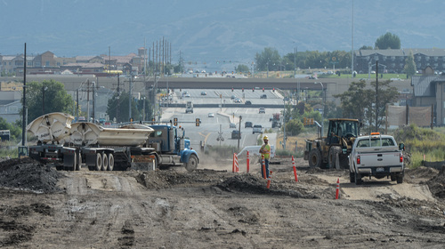 Francisco Kjolseth     The Salt Lake Tribune UDOT crews began work in July on a one-mile segment of the Vineyard Connector, tying Orem's 800 North and I-15 with the @geneva project, a 1,700 acre master-planned community project being built on the site of the old Geneva Steel Mill, at Vineyard in Utah County.