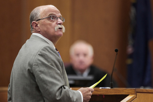 Spencer Heaps  |  Pool   Defense attorney Ron Yengich examines a witness during the trial for Conrad Truman at 4th District Court in Provo on Thursday, Oct. 9, 2014.  Truman has been charged with murder and obstruction of justice in the 2012 death of his wife, Heidy Truman.