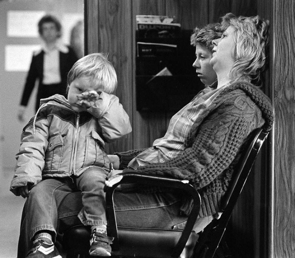 Al Hartmann  |  The Salt Lake Tribune Exhausted family members of one of the 27 trapped coal miners who died in the Wilberg Mine fire wait to speak to a company repesentative at Emery Mining Co. office in Huntington on Dec. 23, 1984 ó a day after rescuers determined all were dead and were beginning to try to seal the mine to keep it from exploding.