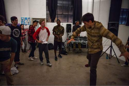 Dario getting down in the cypher at the Bboy Federations They Reminisce | A Hip Hop Art Show.