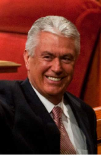 Dieter F. Uchtdorf of the Quorum of the Twelve Apostles, is unaffiliated with a political party.