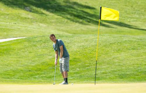 Rick Egan  |  The Salt Lake Tribune  David Nielson putts on the ninth green at Mulligans, Monday, June 1, 2015.