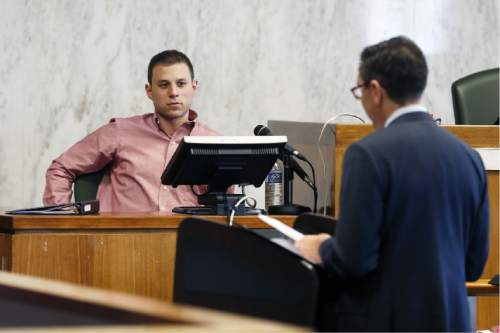 Benjamin Unger delivers witness testimony in the trial against Jews Offering New Alternatives for Healing, (JONAH) Wednesday, June 3, 2015, in Jersey City, N.J. The nonprofit New Jersey based group, who promised to turn gays heterosexual with so-called gay conversion therapy, are being sued by four plaintiffs for fraud.  (Alex Remnick/The Star-Ledger via AP, Pool)