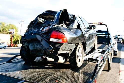 Chris Detrick     Tribune file photo Do state-mandated car safety inspections reduce the number of crashes? A new federal report says there is no evidence such programs translate to fewer accidents. Utah is one of just 16 states requiring the check-ups.