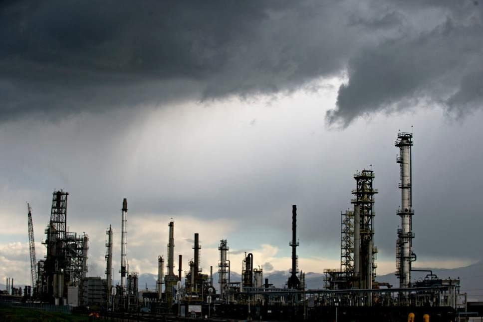 Lennie Mahler The Salt Lake Tribune The Big West Oil Refinery In North Salt Lake
