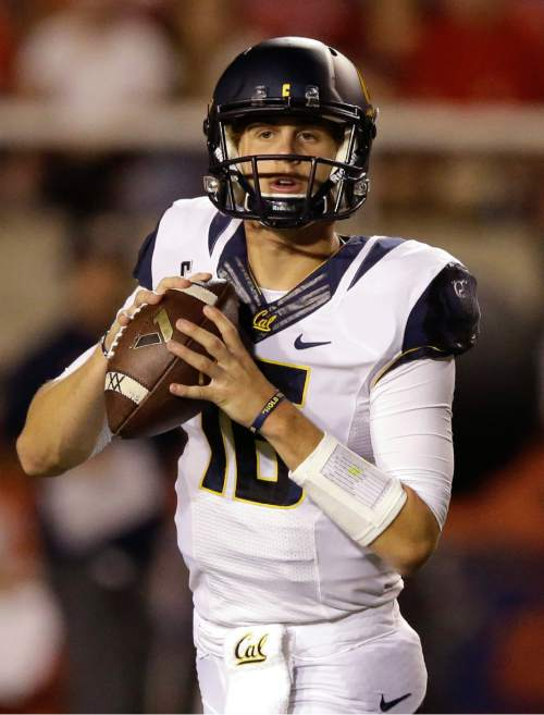 California quarterback Jared Goff (16) looks downfield in the first half during an NCAA college football game against Utah, Saturday, Oct. 10, 2015, in Salt Lake City. (AP Photo/Rick Bowmer)