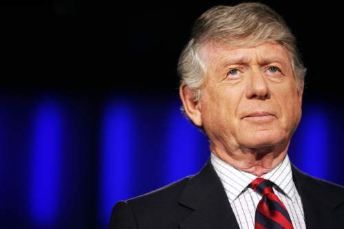 """Nightline"" anchor Ted Koppel prepares for the taping of his last broadcast, Tuesday, Nov. 22, 2005, at ABC's studio in Washington. . (AP Photo/Haraz N. Ghanbari)"