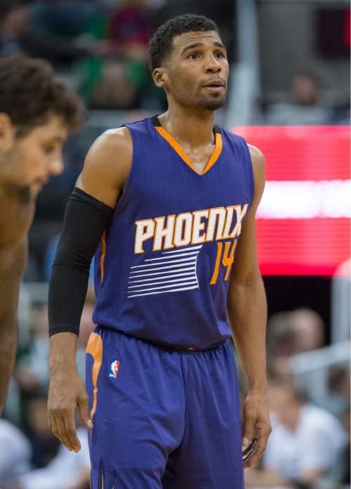 Rick Egan  |  The Salt Lake Tribune  Phoenix Suns guard Ronnie Price (14) in NBA action Phoenix Suns vs. The Utah Jazz, in Salt Lake City, Monday, December 21, 2015.