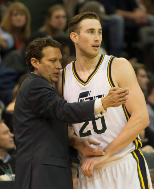 Rick Egan     The Salt Lake Tribune  Utah Jazz head coach Quin Snyder talks to Gordon Hayward (20), in NBA action, Utah vs Indiana, at EnergySolutions Arena, Monday, January 5, 2015