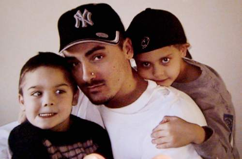 Francisco Kjolseth     Tribune file photo Weldon Angelos, a first time offender sentenced to a mandatory 55 years for having a gun while dealing drugs, is pictured in this family snapshot with his two sons Jesse and Anthoney Angelos.
