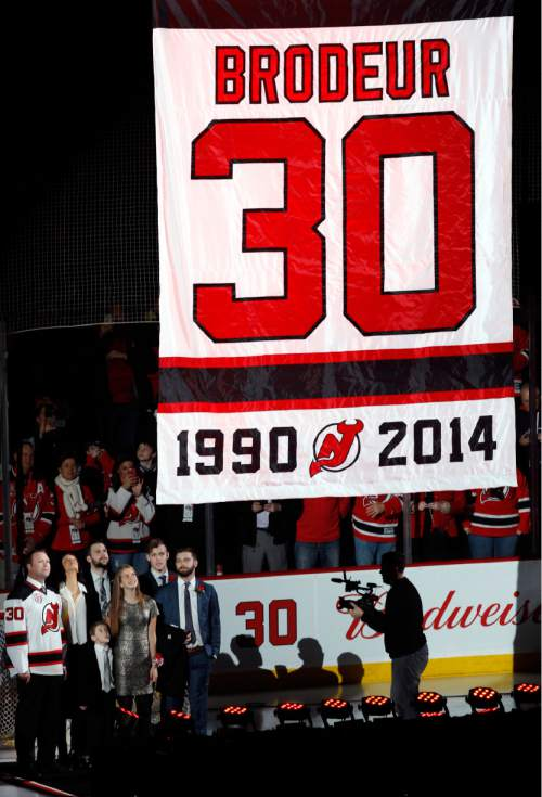 Nhl New Jersey Devils Win On Night Martin Brodeur S Number Is