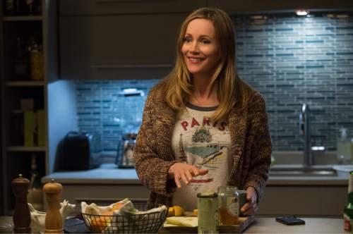 Movie review how to be single falls flat the salt lake tribune entertainment inc shows leslie mann in a scene ccuart Gallery