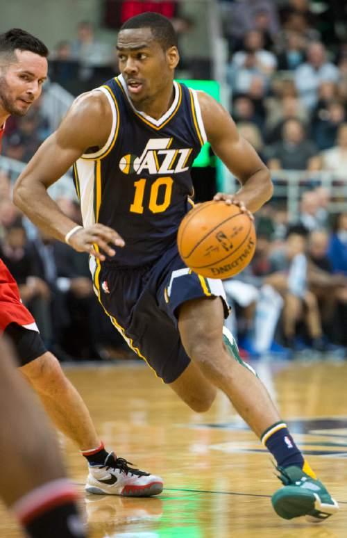 Rick Egan  |  The Salt Lake Tribune  Utah Jazz guard Alec Burks (10) in NBA action, as The Utah Jazz vs. The Los Angeles Clippers, in Salt Lake City, Saturday, December 26, 2015.