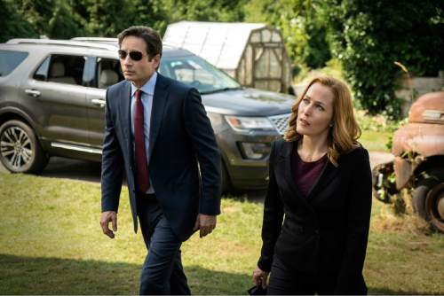 "David Duchovny and Gillian Anderson return in ""The X-Files.""  Cr: Ed Araquel/FOX"