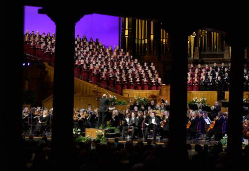 "Scott Sommerdorf   |  The Salt Lake Tribune Mack Wilberg, shown conducting the Mormon Tabernacle Choir and Orchestra at Temple Square in Handel's ""Messiah"" in 2014, will lead performances of the oratorio in the Salt Lake Tabernacle again this week."