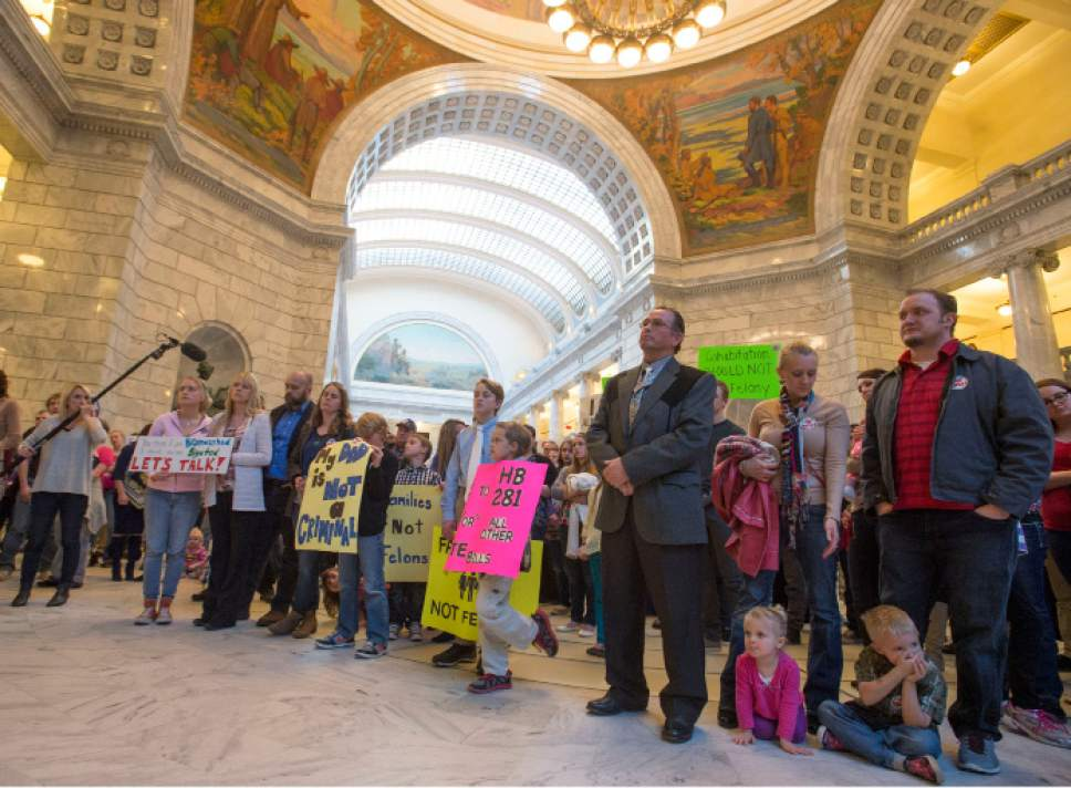 Utah Bigamy Bill Has Polygamists Pointing Fingers At Lds
