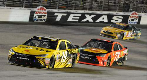 Nascar kyle busch wins at texas to complete another sweep for Nascar ride along texas motor speedway