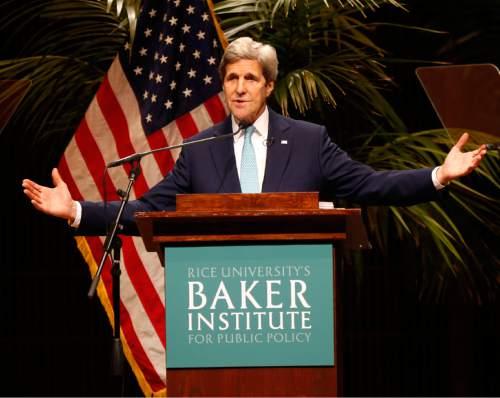 Secretary of State John Kerry speaks to audience members at Rice University's Stude Concert Hall, Tuesday, April 26, 2016, in Houston. (Karen Warren/Houston Chronicle via AP) MANDATORY CREDIT