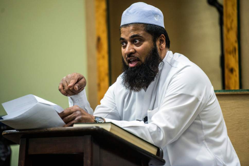 Chris Detrick  |  The Salt Lake Tribune Imam Shuaib Din leads study about fasting at the Utah Islamic Center in Sandy Friday June 3, 2016.