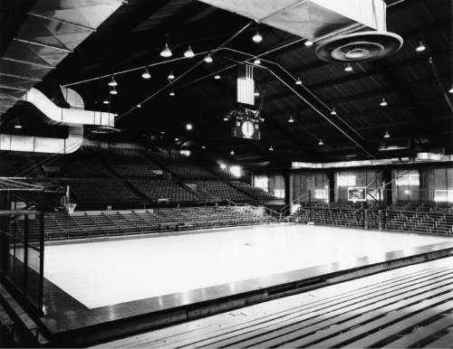 Courtesy Special Collections, Marriott Library, University of Utah This is what Einar Neilsen Fieldhouse's interior looked like before a basketball game.