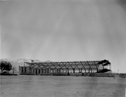 Courtesy Special Collections, Marriott Library, University of Utah Einar Nielsen Fieldhouse on the University of Utah campus was constructed in 1939.