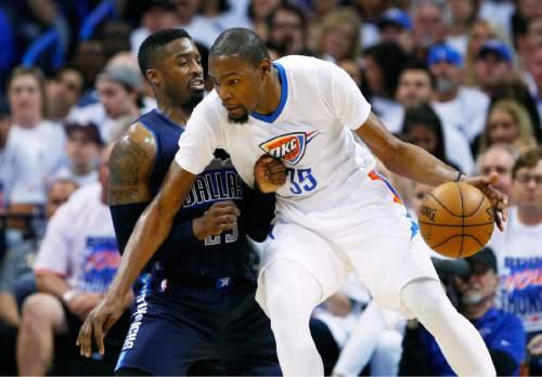 04c4342aad9 Oklahoma City Thunder forward Kevin Durant (35) drives to the basket  against Dallas Mavericks