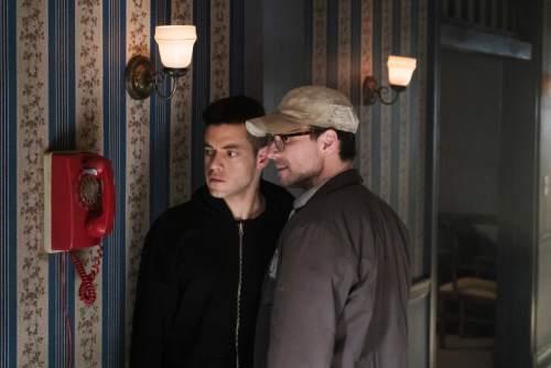 Rami Malek as Elliot Alderson, left, and Christian Slater as Mr. Robot. (Photo by: Peter Kramer/USA Network)