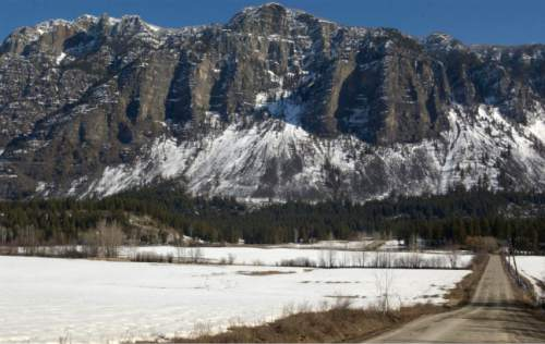 Beneath the Skimmerhorn Mountains near Creston, British Columbia, the polygamist town of Bountiful is home to the northern branch of the FLDS led by Warren Jeffs that is now split after Jeffs demoted then leader Winston Blackmore and promoted Jim Oler to bishop.  photo by Leah Hogsten 2/21/04 Bountiful