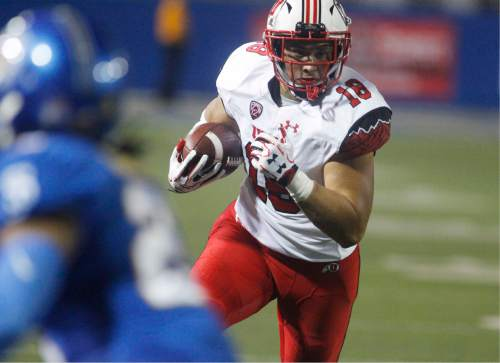 Utah tight end Evan Moeai runs the ball after a reception against San Jose State during the first half of an NCAA college football game Saturday, Sept. 17, 2016, in San Jose, Calif. (AP Photo/Mathew Sumner)