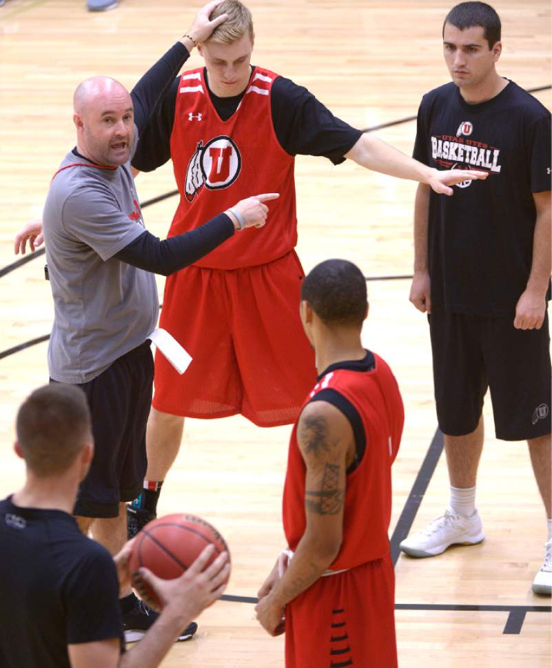 Leah Hogsten  |  The Salt Lake Tribune l-r University of Utah basketball assistant coach Andy Hill directs the team during Thursday, October 6, 2016 at the Huntsman Basketball Facility.