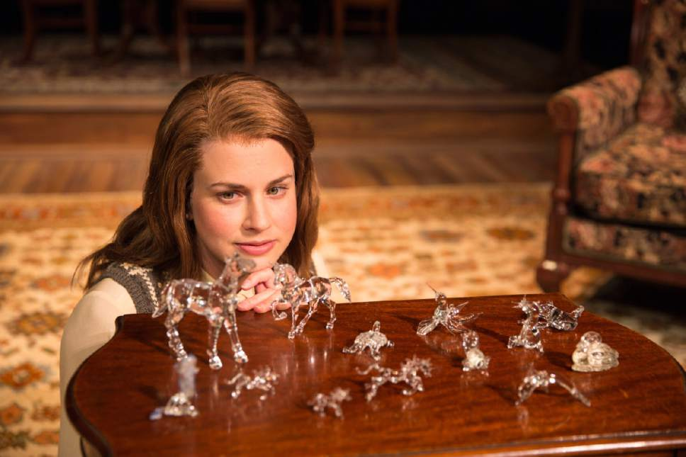 an analysis of the character of amanda wingfield in the glass menagerie by tennessee williams Everything you ever wanted to know about amanda wingfield in the glass menagerie the glass menagerie by tennessee williams character analysis oh, amanda.