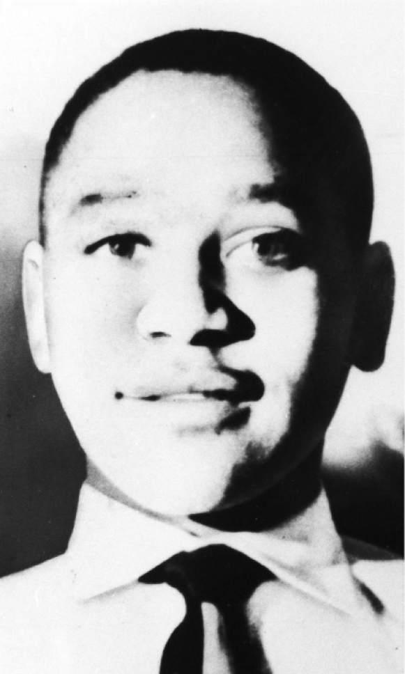 Emmett Louis Bobo Till né le 25 juillet 1941 à Chicago en Illinois et mort le 28 août 1955 à Money au Mississippi est un adolescent afroaméricain qui