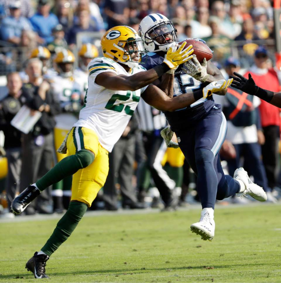 NFL Titans score 21 points in 1st quarter rout Packers 47 25