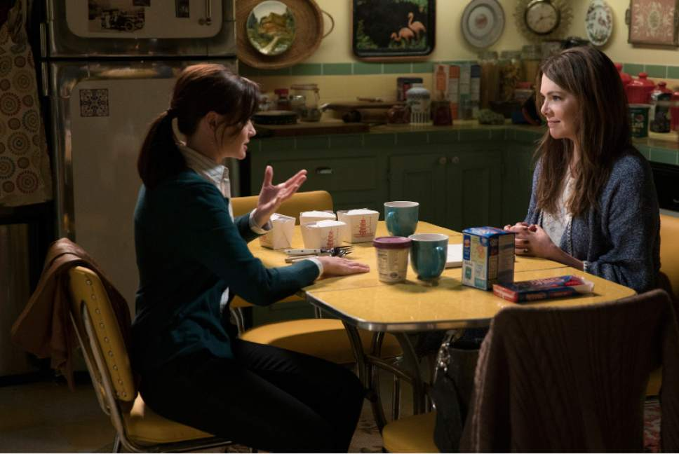 Alexis Bledel and Lauren Graham star in ìGilmore Girls: A Year in the Life.î Saeed Adyani  |  Netflix