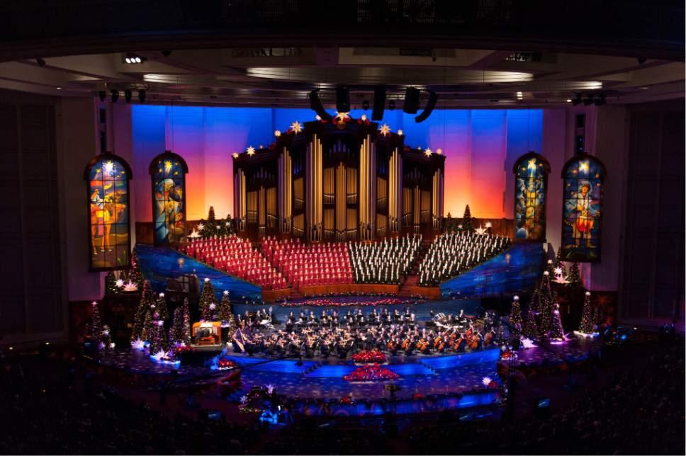 Lds Christmas Concert.Villazon Brings Festive Air To Mormon Tabernacle Choir