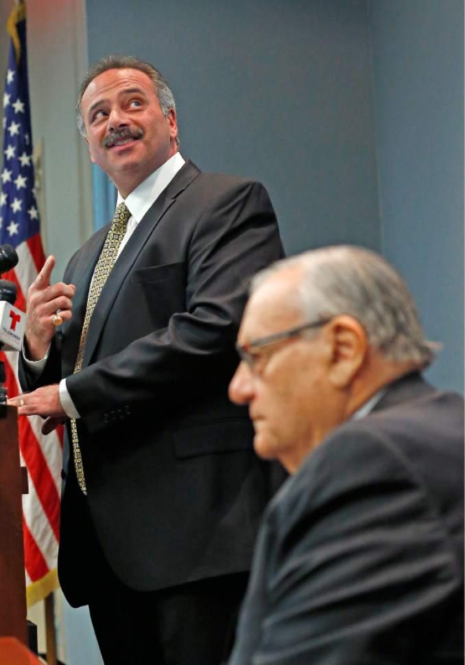 Arizona Sheriff Joe Arpaio Closes Probe Of Obama Birth Certificate