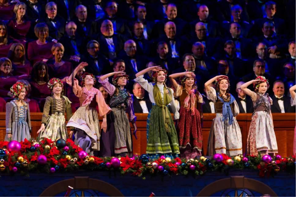 alex gallivan special to the tribune christmas with mormon tabernacle choir featuring rolando