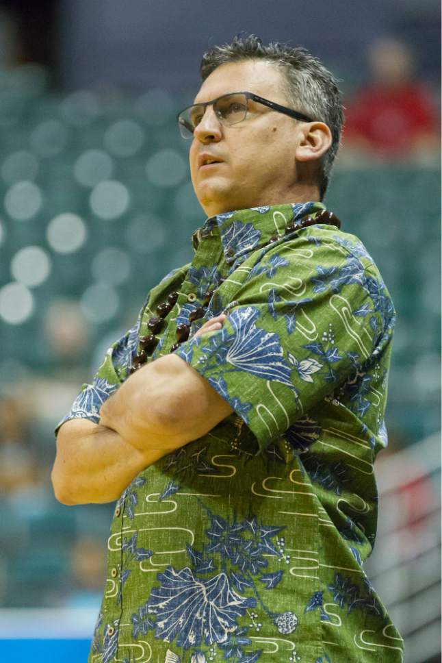 San Francisco head coach Kyle Smith looks on as his team plays Utah during the first half of an NCAA college basketball game at the Diamond Head Classic, Thursday, Dec. 22, 2016, in Honolulu. (AP Photo/Eugene Tanner)