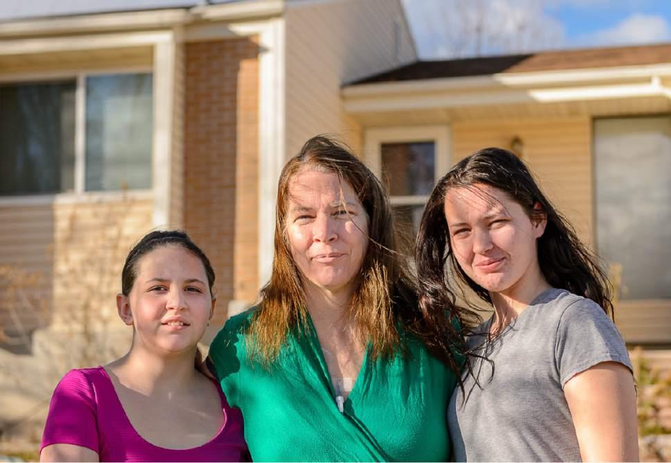 Lighting Basement Washroom Stairs: Donors Step Up To Help Single Utah Mom, Daughters Facing