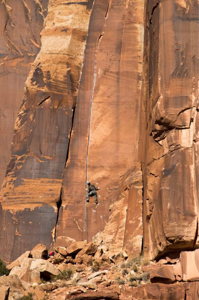 Rick Egan  |  The Salt Lake Tribune  Climbers at Indian Creek, Friday, December 30, 2016.