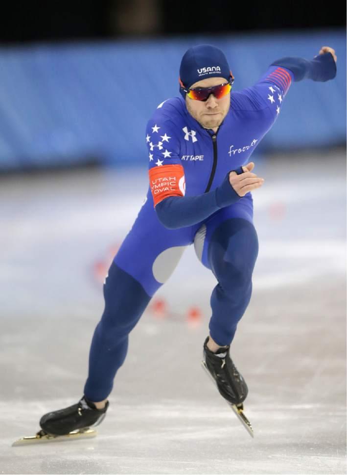 Joey Mantia competes in the men's 1,500 meters U.S. long track speedskating championship at Utah Olympic Oval, Saturday, Jan. 7, 2017, in Kearns, Utah. (AP Photo/Rick Bowmer)