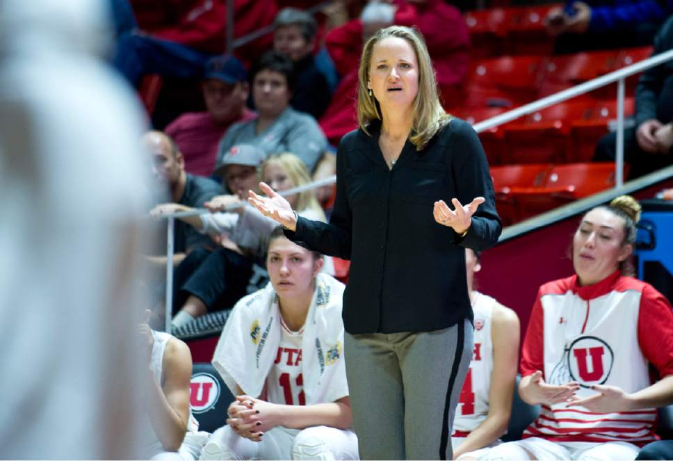Lennie Mahler  |  The Salt Lake Tribune  Utah head coach Lynne Roberts complains to an official about a jump ball call in a game at the Huntsman Center in Salt Lake City, Saturday, Dec. 3, 2016.