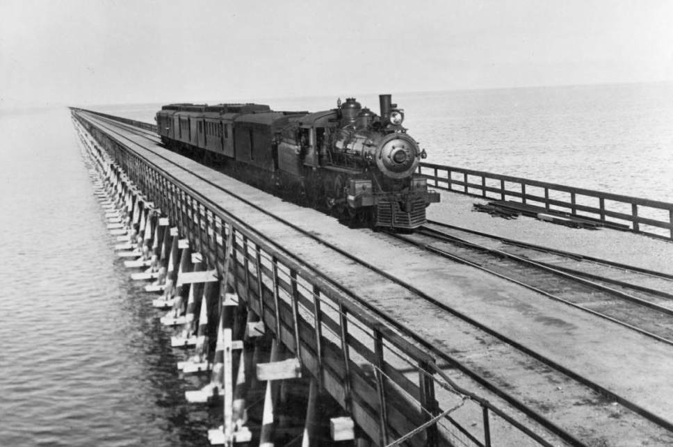 |  Courtesy Utah State Historical Society  Southern Pacific mail train crossing Great Salt Lake on Lucin cut-off, about 1906.