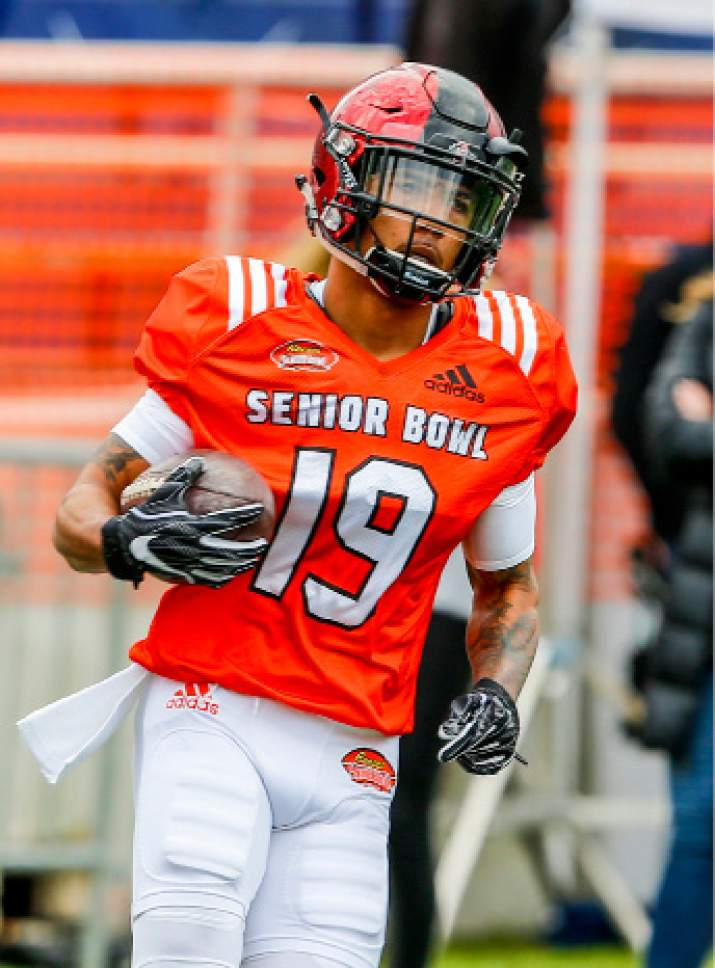 College Football Ncaa Rushing Leader Donnel Pumphrey Aiming To