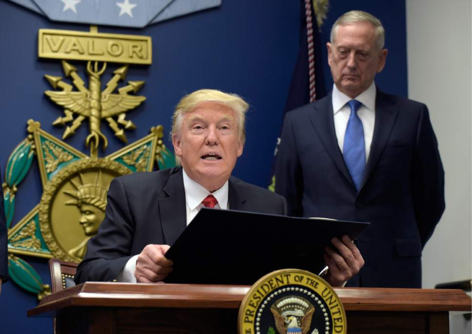A look at Trump's executive order on refugees, immigration ...