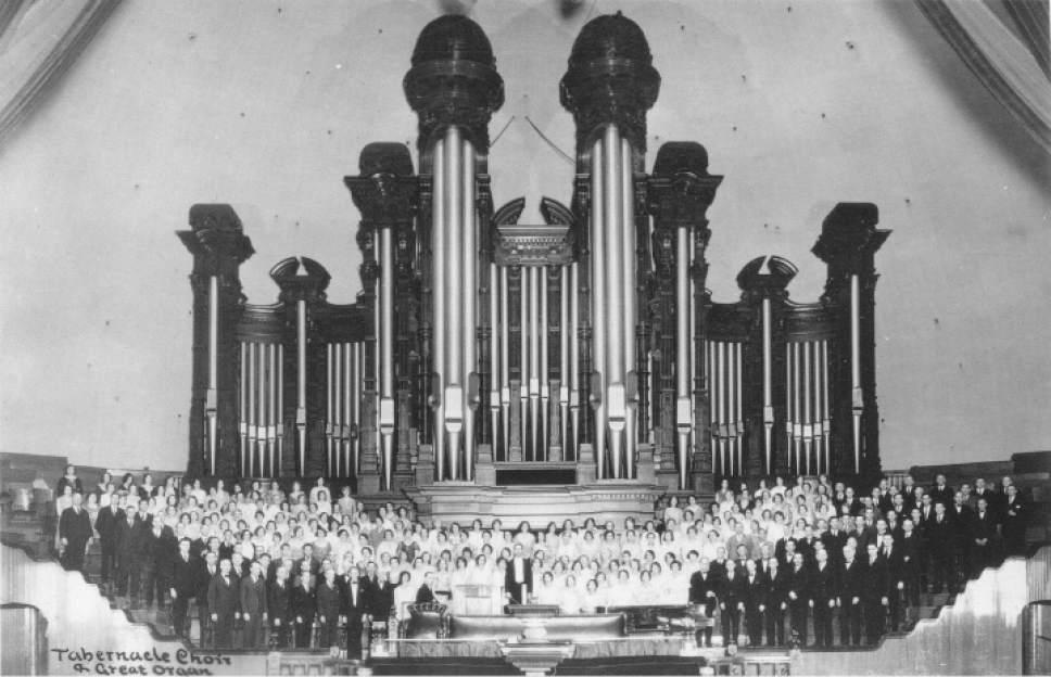 Mormon Tab  Mormon Tabernacle Choir in the Salt Lake Tabernacle, 1929